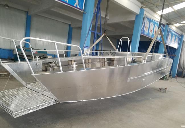 9 m Australian landing craft